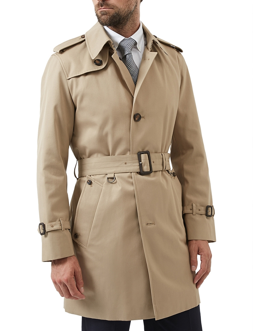 65f6b68b8ce Developed as an alternative to the heavy greatcoats worn by British and  French soldiers during the First World War