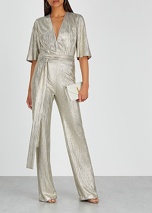 <span style='letter-spacing:0.09em;font-size:16px;font-weight:900;color:#000000;'>THE JUMPSUIT</span>